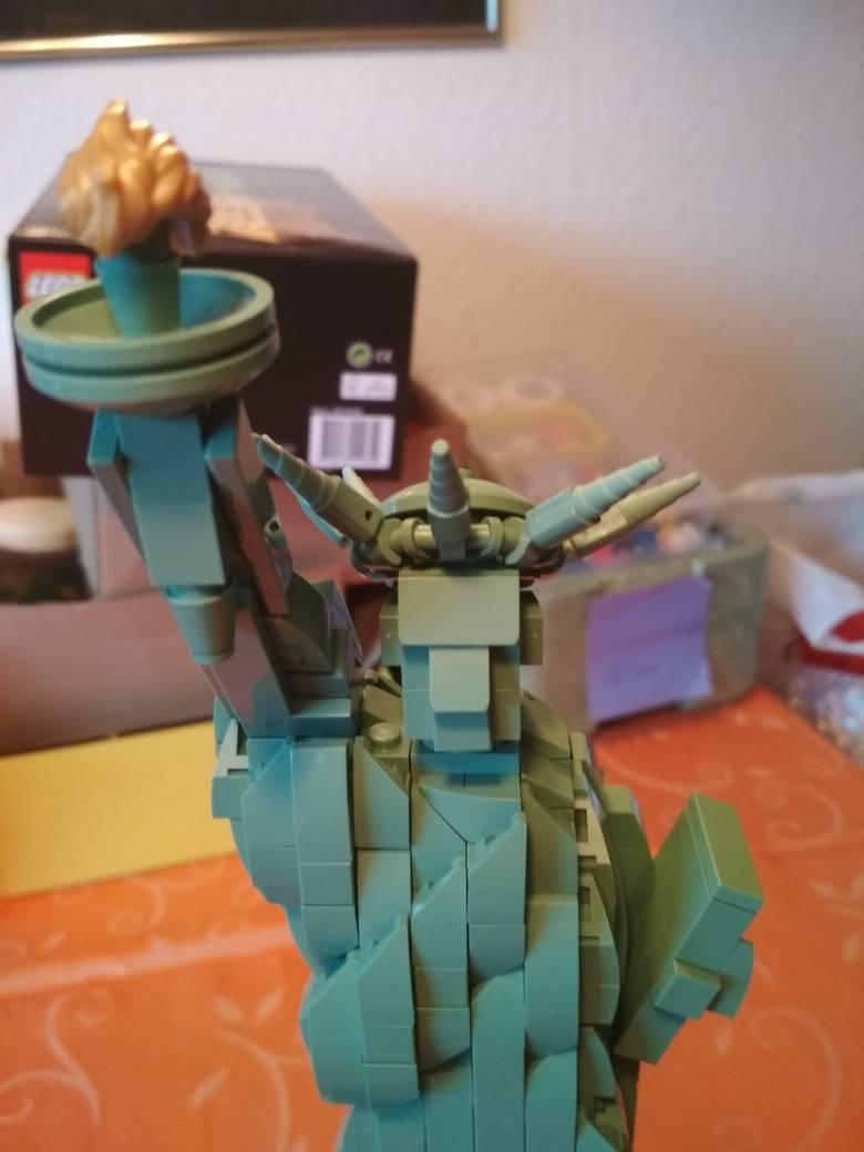 LEGO-Architecture-Freiheitsstatue-21042-Gesicht-umgebaut