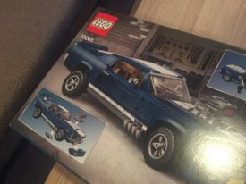 lego-creator-expert-ford-mustang-gt-1976-10265-karton4