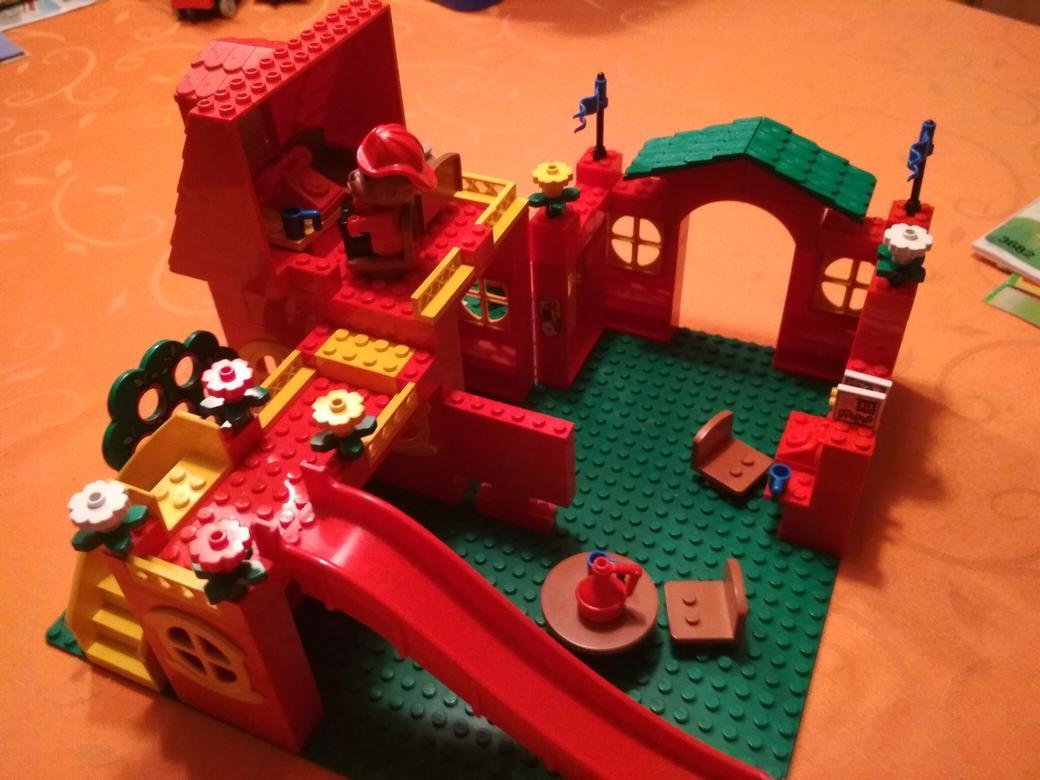 LEGO-Fabuland-Feuerwehr-3682-aufgebaut-3