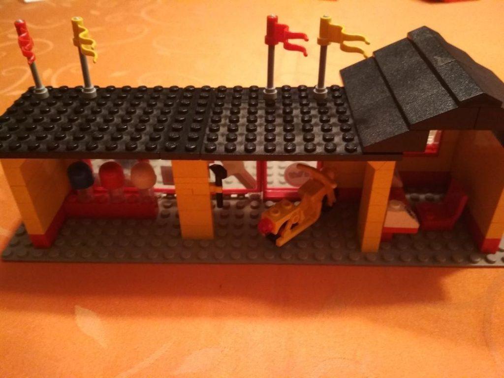 lego-motorradladen-6373-fertiges-modell2
